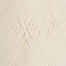Drops Nord Uni Colour Lanka Alpakkasekoitus 50g Off White 01